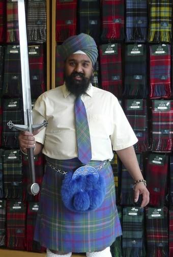 Рошан Сингх, шотландский сикх